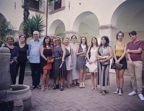 Summer school writing della prof.ssa T.Preta-Turisti per una sera: visitando il Chiostro francescano…